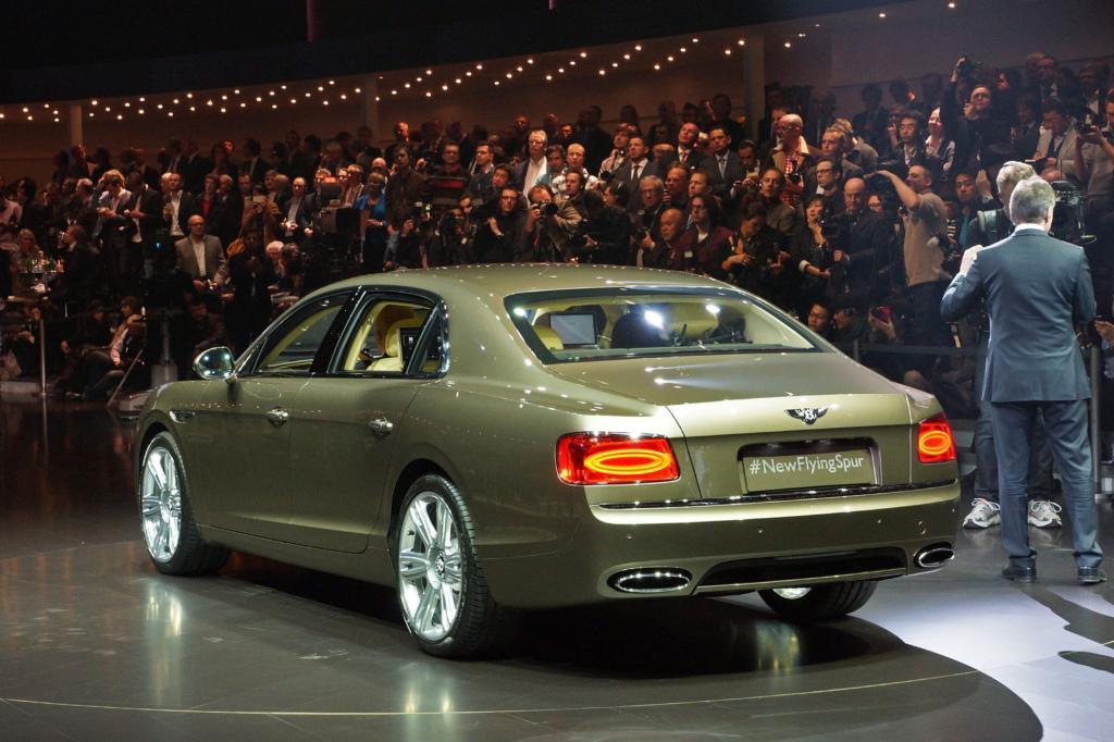 Mit jetzt 460 kW/625 PS liegt die große Limousine gar 15 PS über der früheren Speed-Version