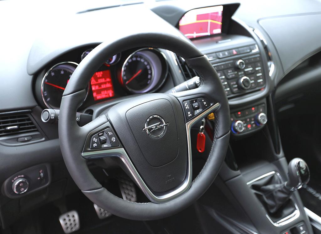 Opel Zafira Tourer: Blick ins Cockpit.