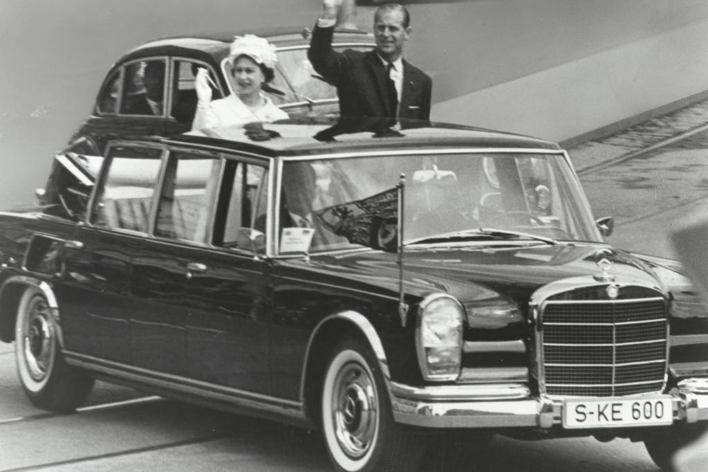 Pullman Landaulet mit Queen Elisabeth II und Prinz Philip 1966