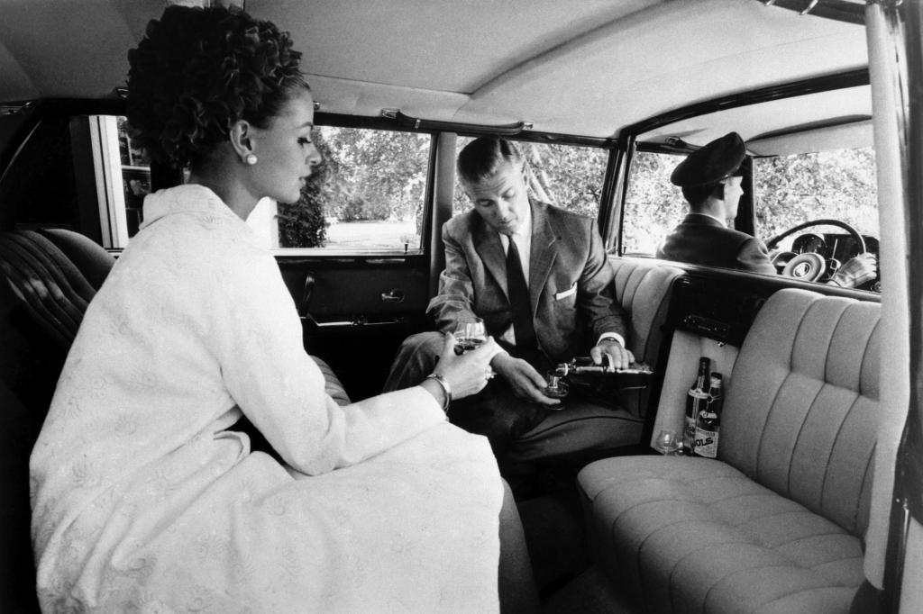 Pullman Limousine mit Vis A Vis Sitzanordnung 1963