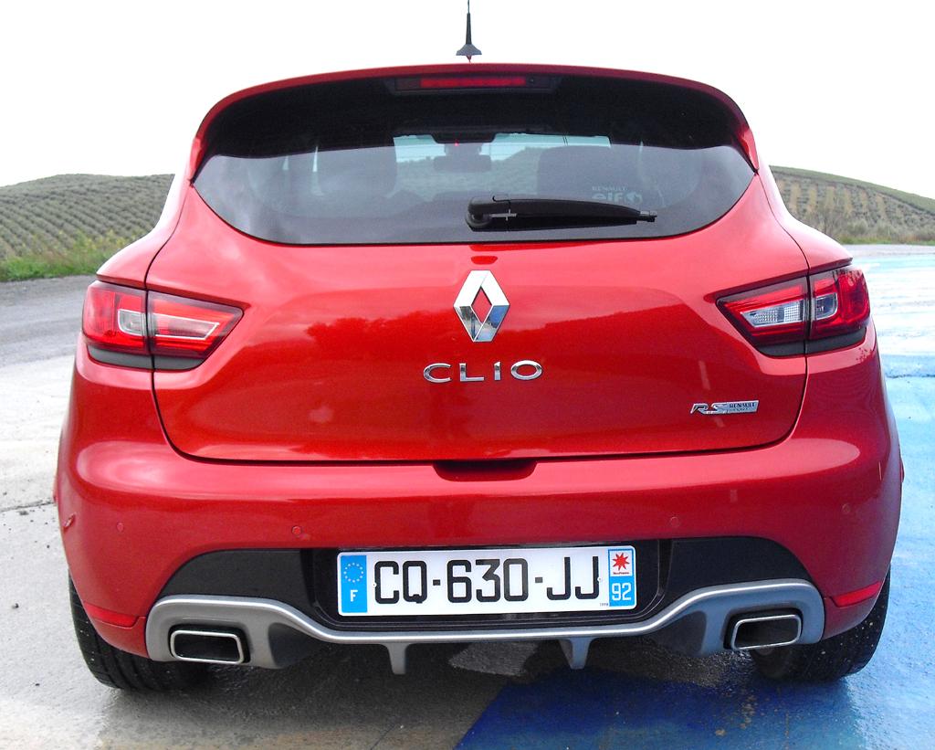 Renault Clio RS: Blick auf die Heckpartie.
