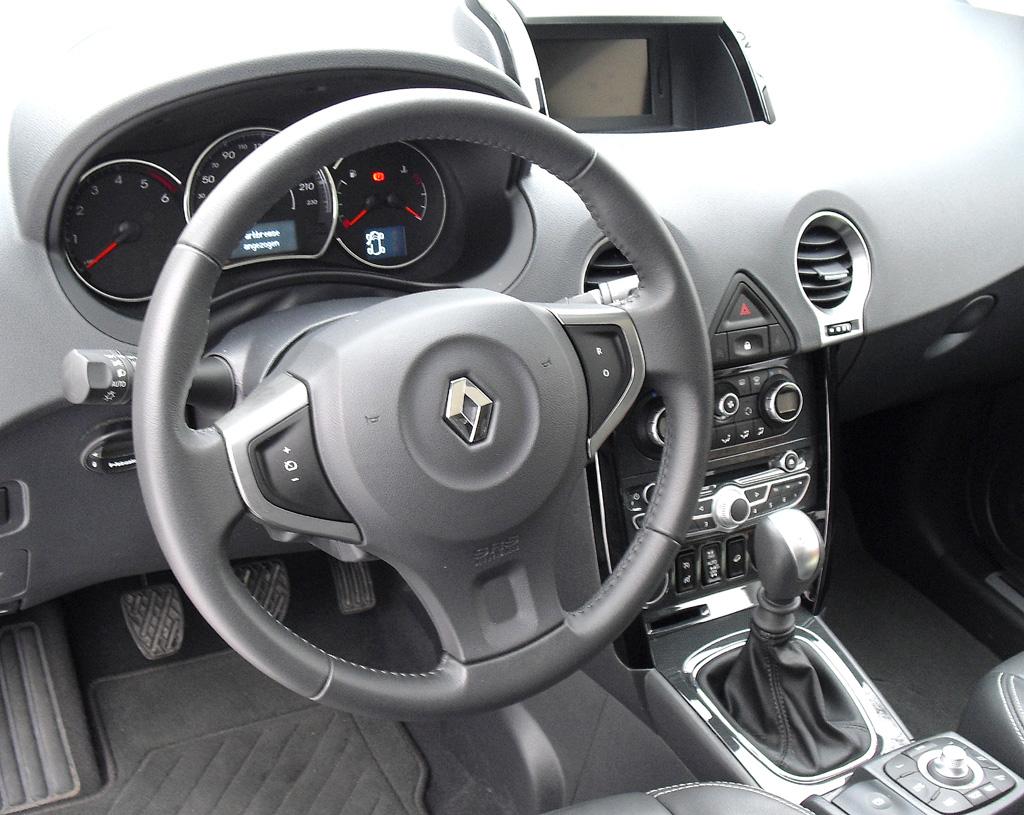 Renault Koleos: Blick ins Cockpit.