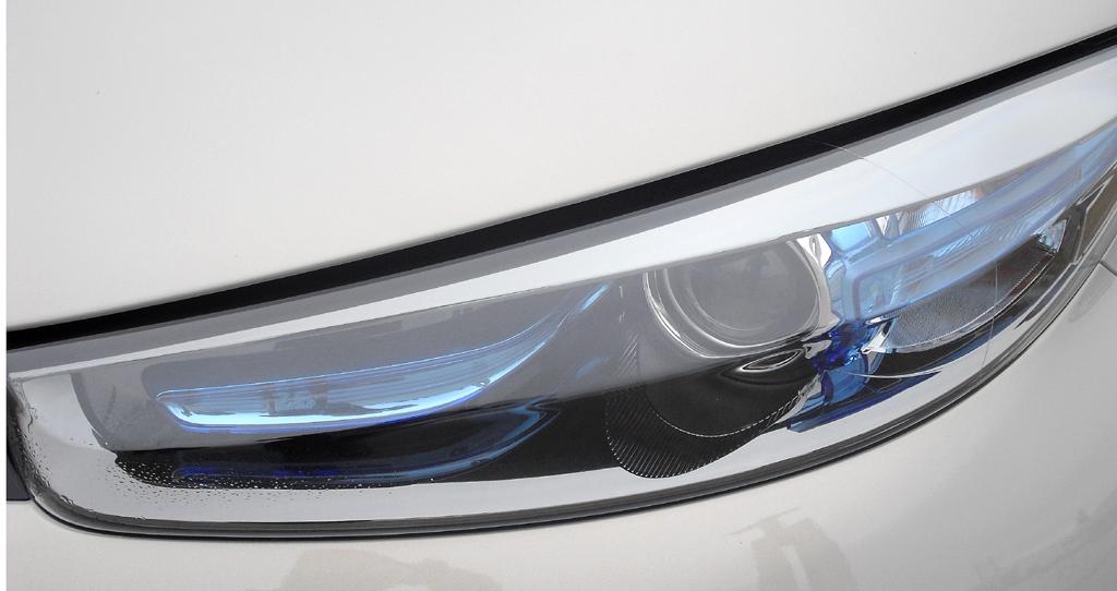Renault Zoe: Moderne Leuchteinheit vorn. Die bläuliche Verglasung kennzeichnet die Stromer.