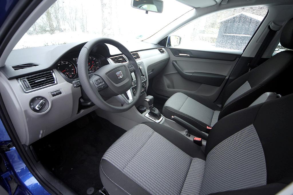 Seat Toledo: Blick ins übersichtlich gestaltete Cockpit.