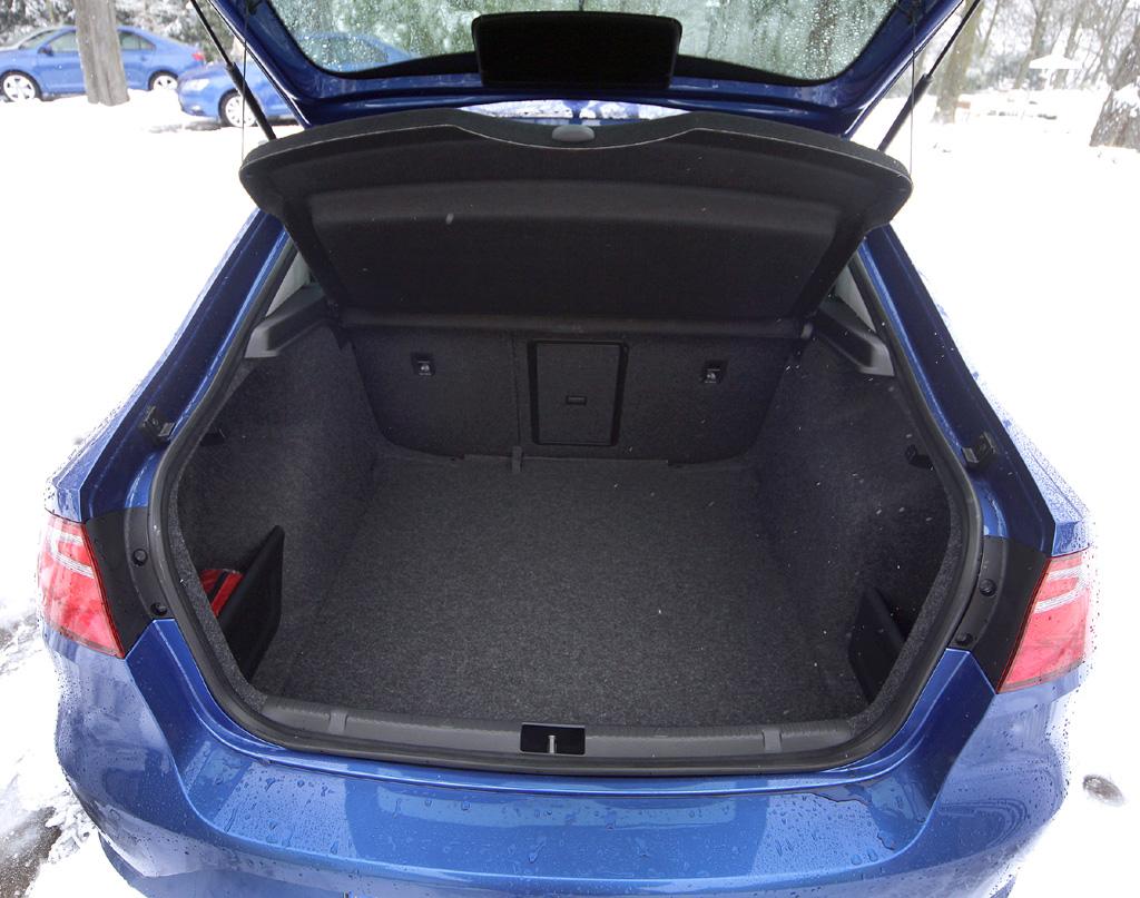 Seat Toledo: Das riesige Gepäckabteil fasst 550 bis 1490 Liter.