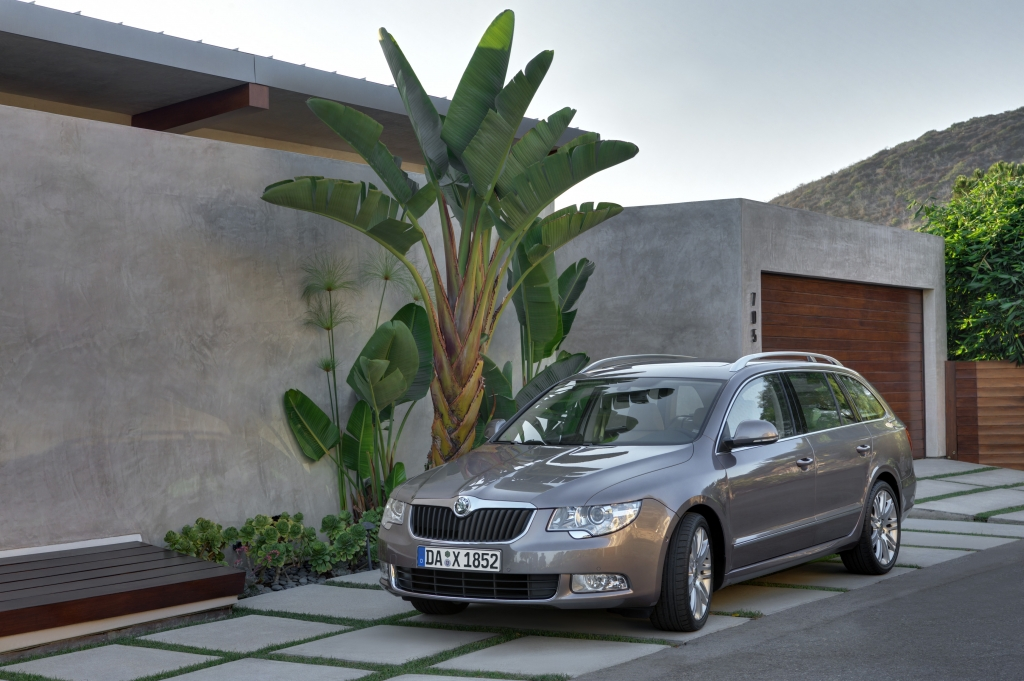 Test: Skoda Superb Combi 2.0 TDI 4x4 - Der Ballsaal für den Winter