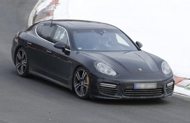 Update: Erwischt: Erlkönig Porsche Panamera Facelift - Tarnkappen-Bomber