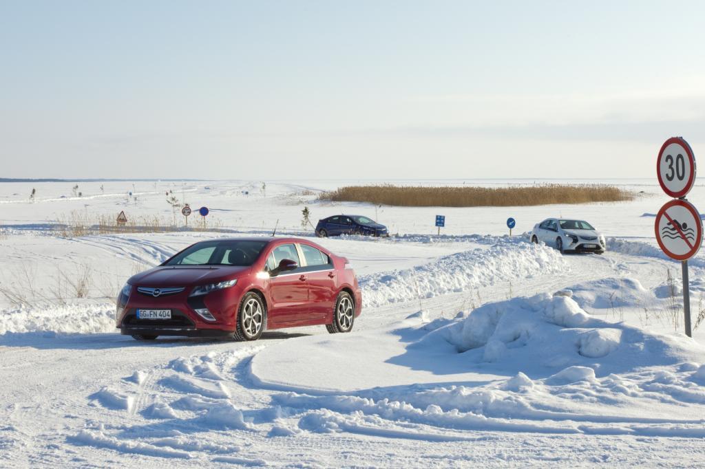 Wir wollen es aber genauer wissen, und testen den 2013er Opel Ampera auf Schnee und Eis
