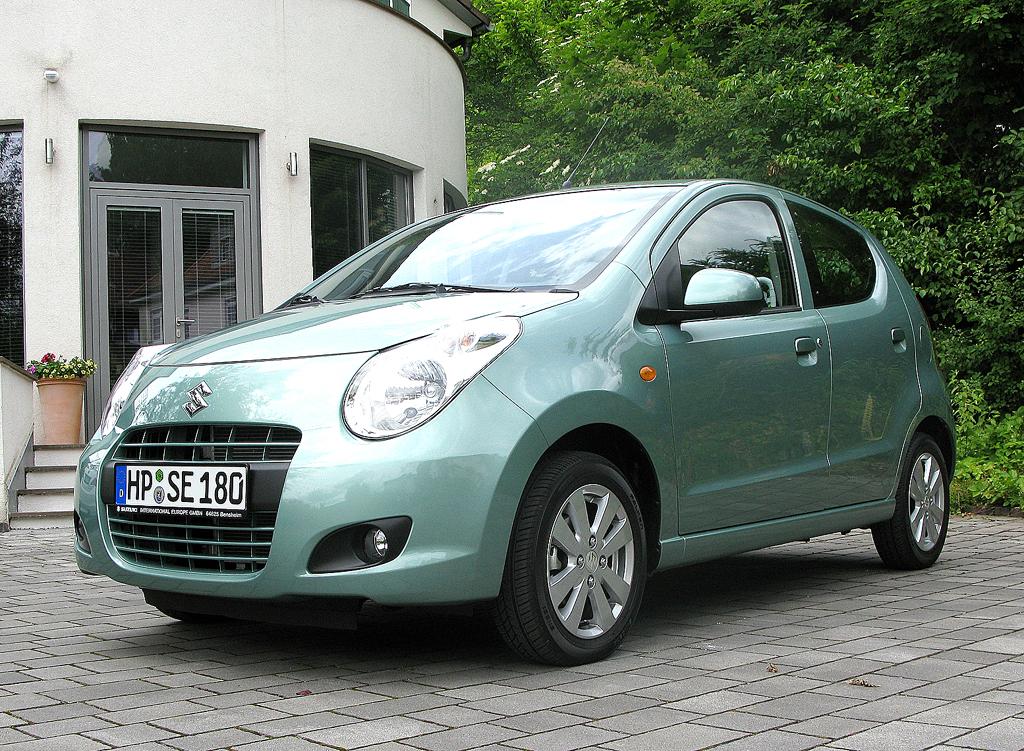 Zur Suzukis aktueller Modellpalette in Deutschland gehören der kleine Alto, ...