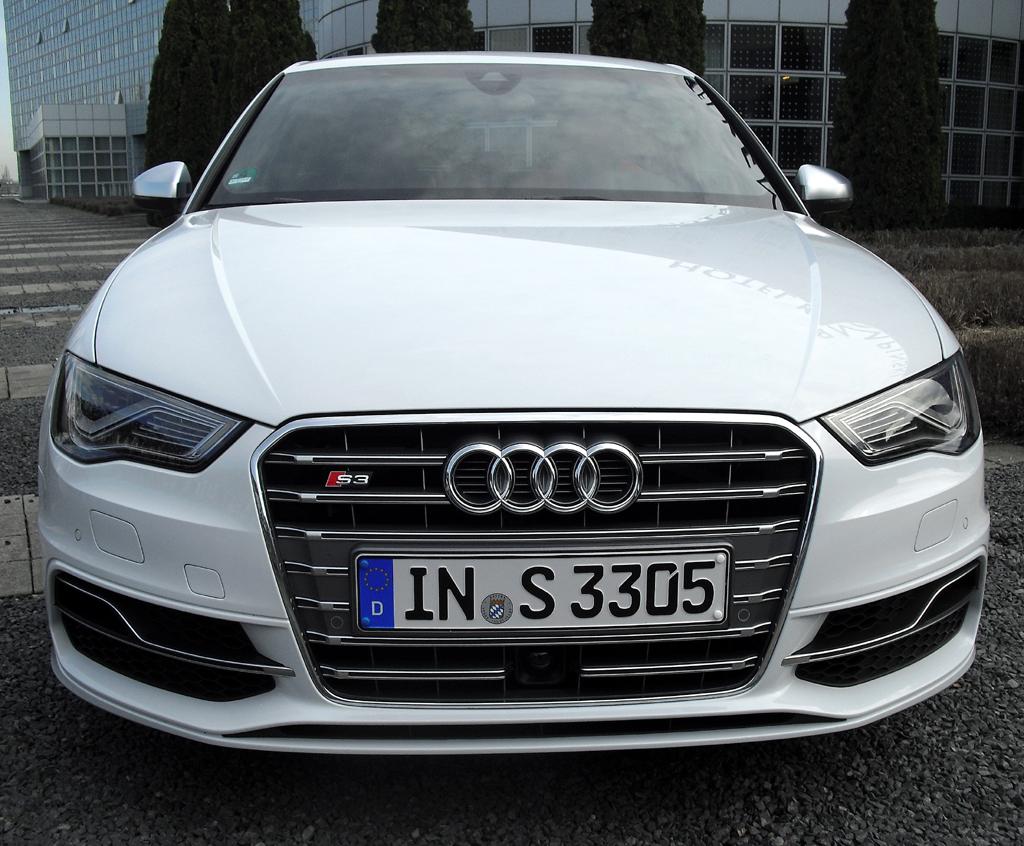 Audi S3: Blick auf die Frontpartie.