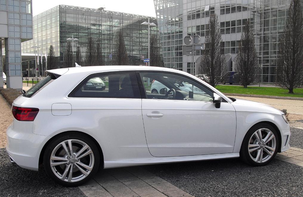 Audi S3: Und so sieht der sportliche Dreitürer von der Seite aus.