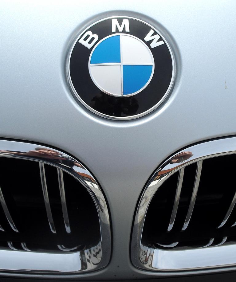 BMW M6 Gran Coupé: Das Markenlogo sitzt vorn über der Doppelniere.