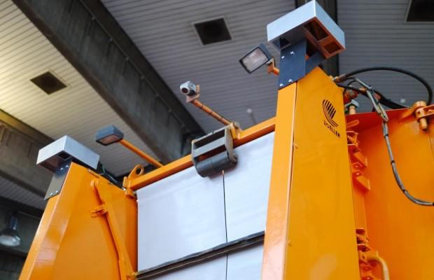 Bremssystem gegen Unfälle im toten Winkel