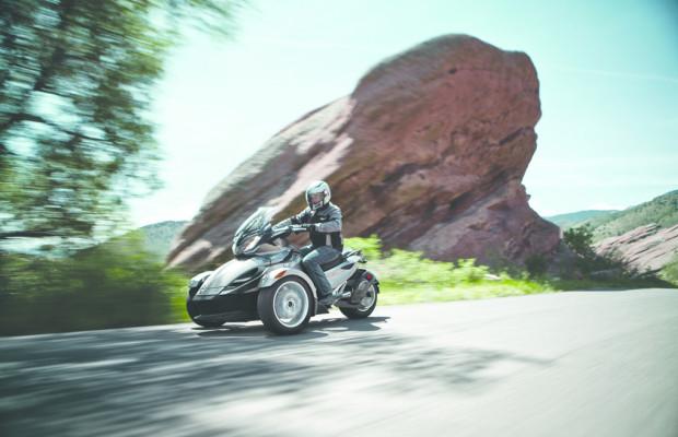 Can-Am Spyder jetzt auch als Sporttourer