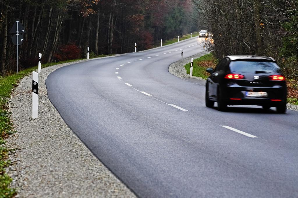 Dekra-Verkehrssicherheitsreport - Riskantes Überholen endet oft mit dem Tod