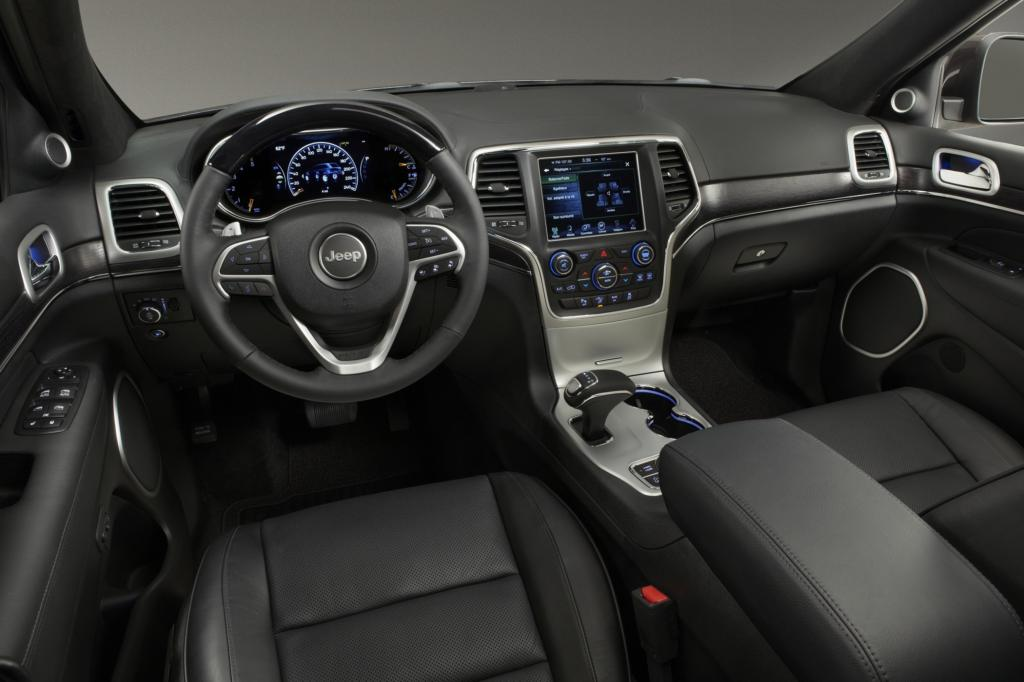 Der Grand Cherokee verfügt über ein neues Navigationssystem mit größerem Display