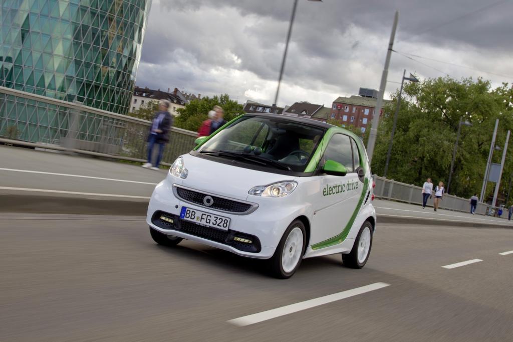 Der Smart electric drive erhielt als erstes Import-Modell ein Zulassungs-Zertifikat