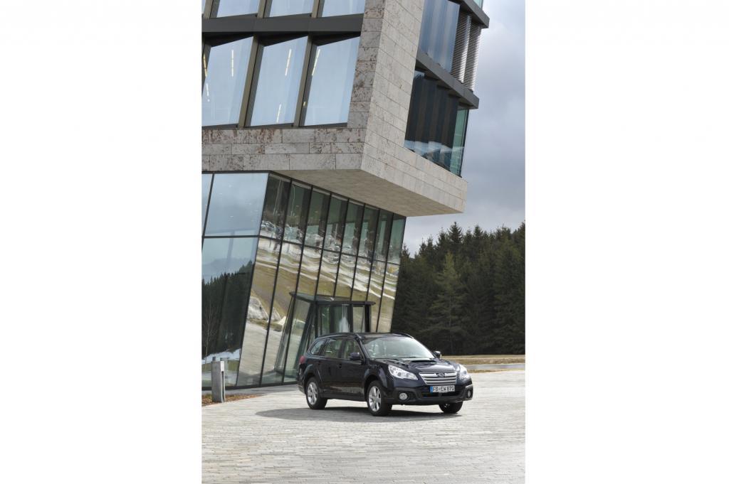 Der neue Subaru Outback: Ab 37.000 Euro kostet das Crossover-Modell nach einem dezenten Facelift sowie mit verbesserter Ausstatt