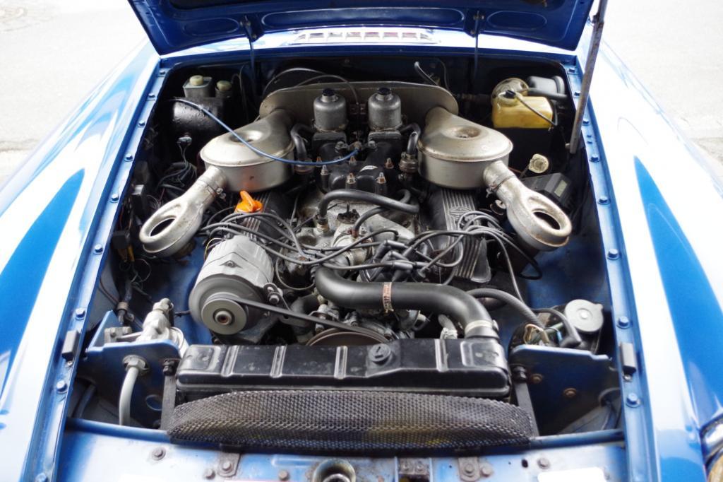 Einen Briten bitte: der Blick auf den V8 unter der Haube des MG B GT