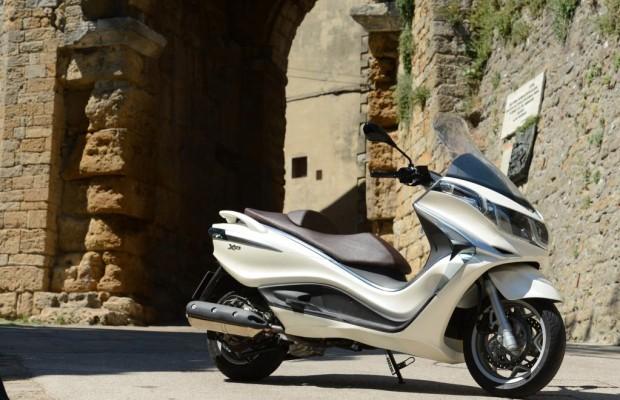 Fahrbericht Piaggio X10 350 Executive - Die goldene Mitte