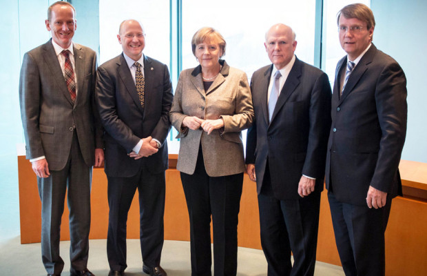 GM-Topmanagement bei Angela Merkel