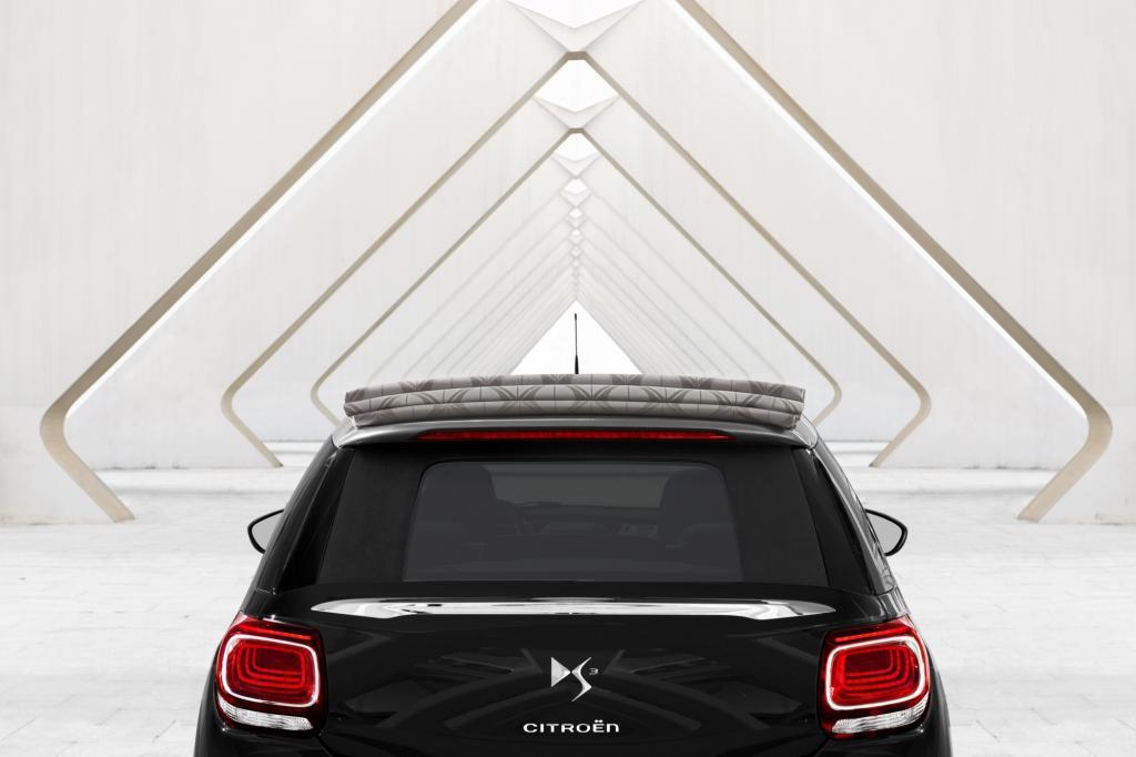 Im Gegensatz zu den klassischen Cabriolets benötigen diese offenen Modelle keine zusätzlichen Windabweiser auf den Rücksitzen