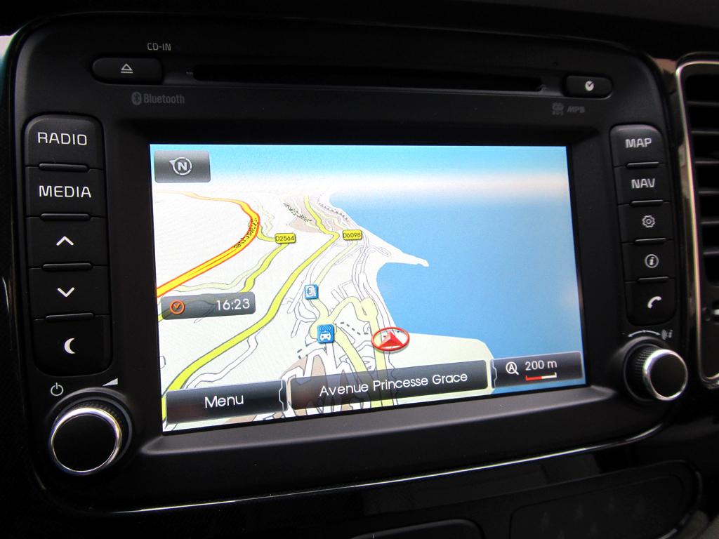 Kia Carens: Die Kartennavigation ist ab der höchsten Ausstattungsstufe Standard an Bord.