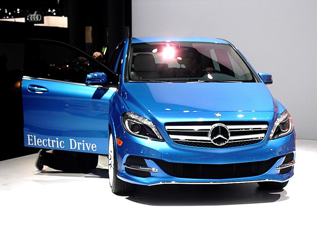 Mercedes B-Klasse Electric Drive: Blick auf die Frontpartie.