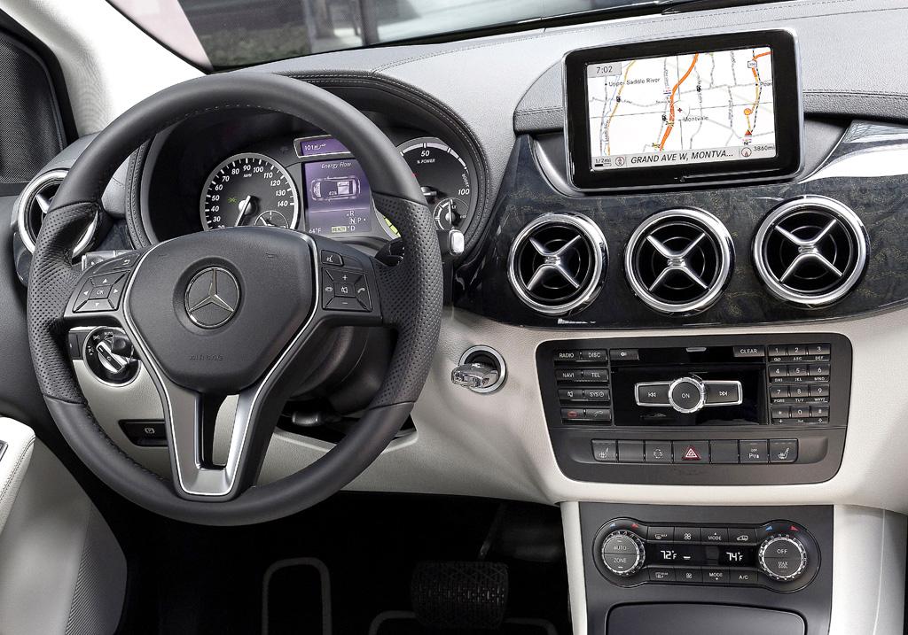 Mercedes B-Klasse Electric Drive: Blick ins Cockpit.