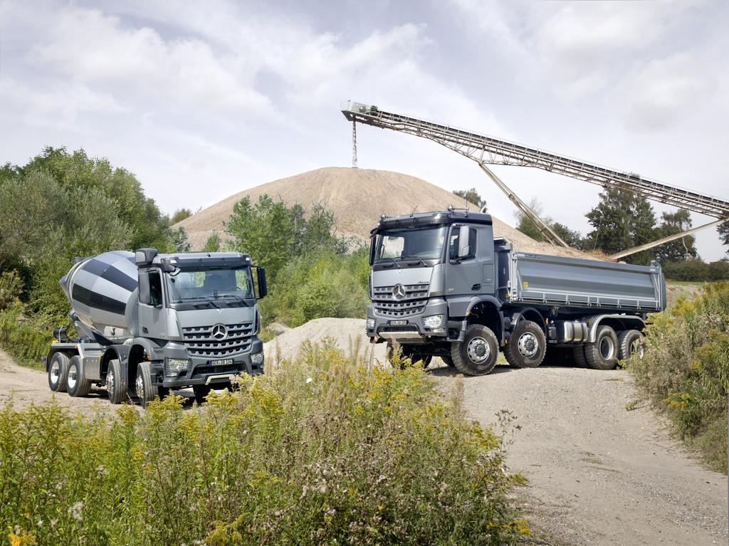 Mercedes-Benz Arocs und Atego feiern Premiere auf der Bauma