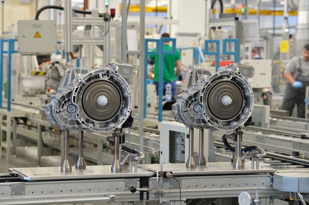Mercedes-Benz baut Produktionsnetzwerk aus
