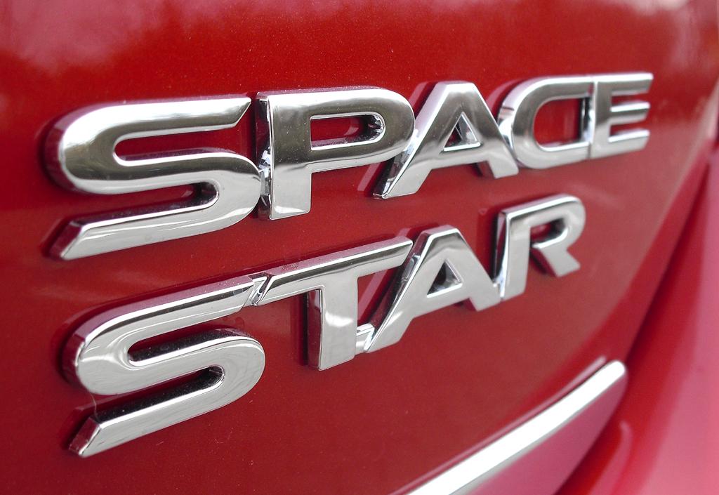 Mitsubishi Space Star: Modellschriftzug auf der Heckklappe.