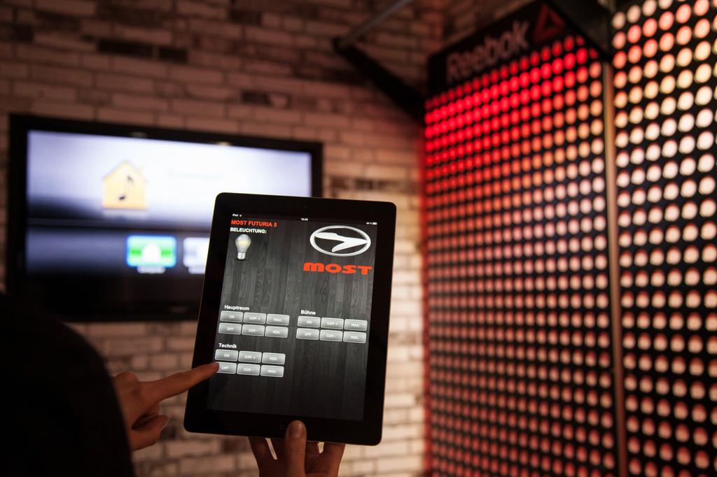 Most bietet iPad-Steuerung für Showtrucks an
