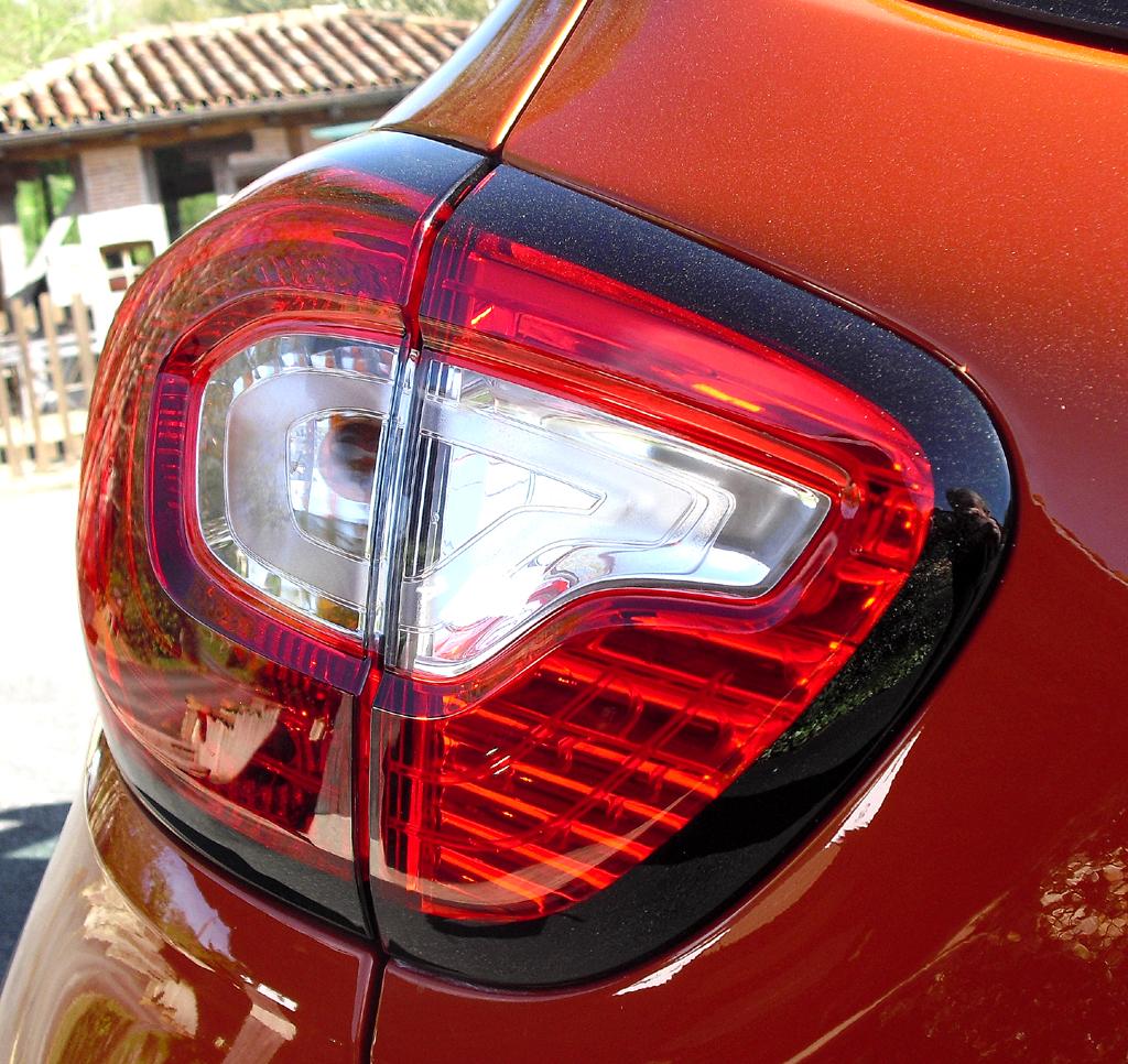 Renault Captur: Moderne Leuchteinheit hinten.