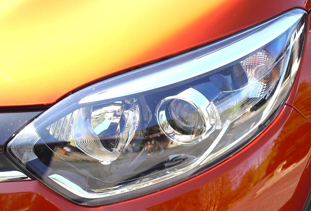 Renault Captur: Moderne Leuchteinheit vorn.