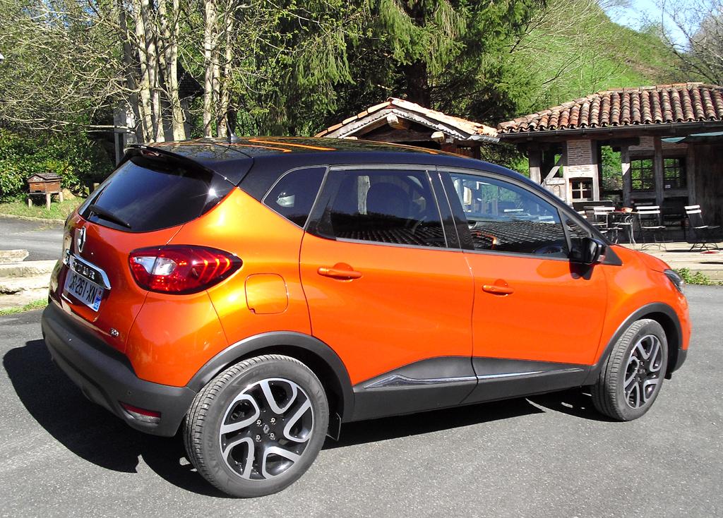 Renault Captur: Und so sieht der fünftürige Fünfsitzer von der Seite aus.