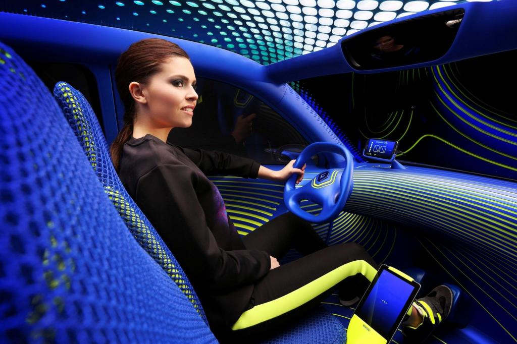 Renaults Concept Car in leuchtendem Blau und Grün