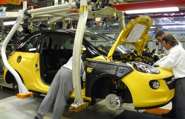 Schnelle Software-Entwicklung setzt Autobranche unter Druck