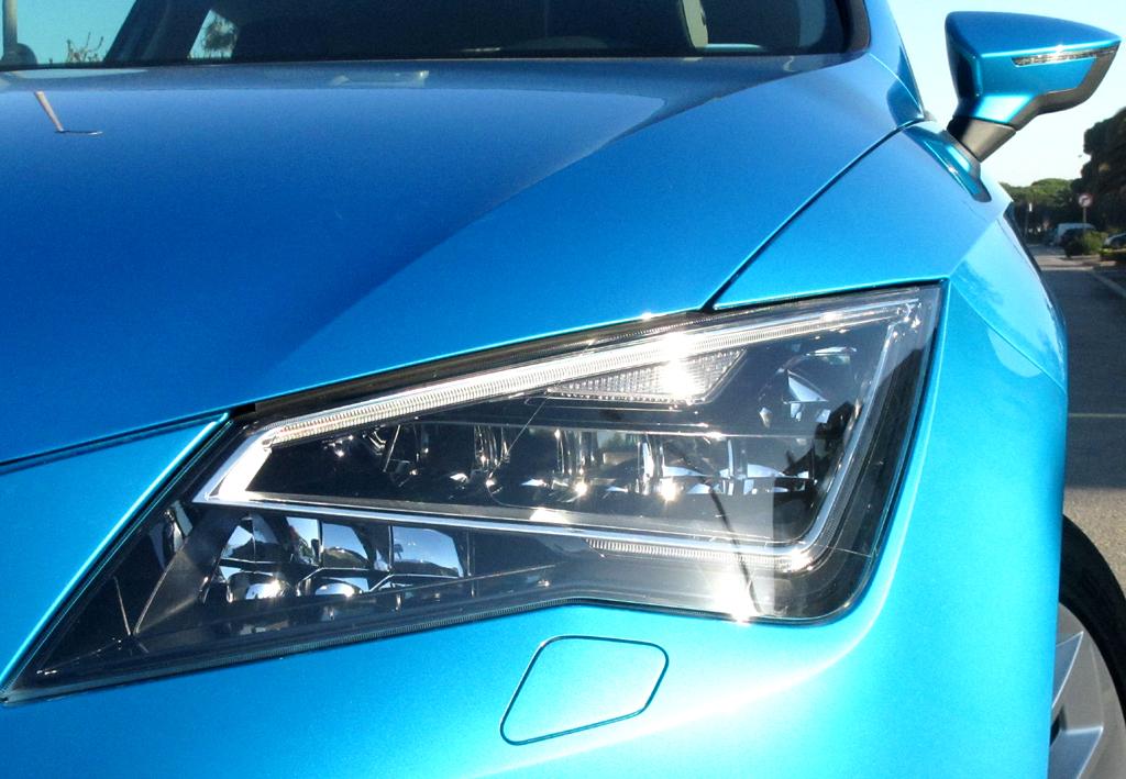 Seat León SC: Moderne Leuchteinheit vorn. Sogar Voll-LED-Scheinwerfer sind möglich.