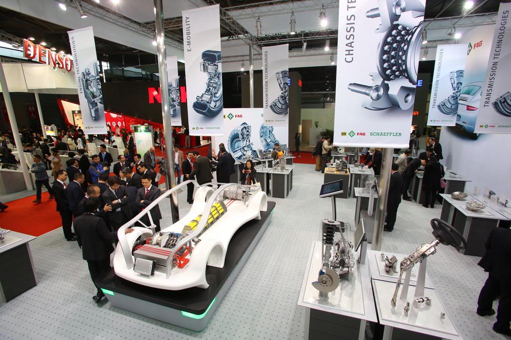 Shanghai 2013: Schaeffler zeigt E-Lösungen
