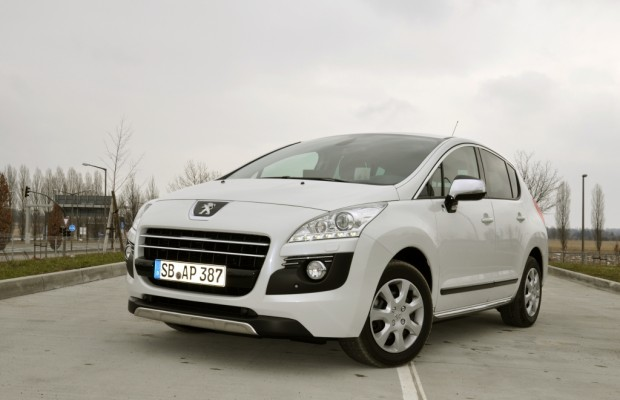 Test Peugeot 3008 HYbrid4: Mega-Crossover mit Supersparpotential
