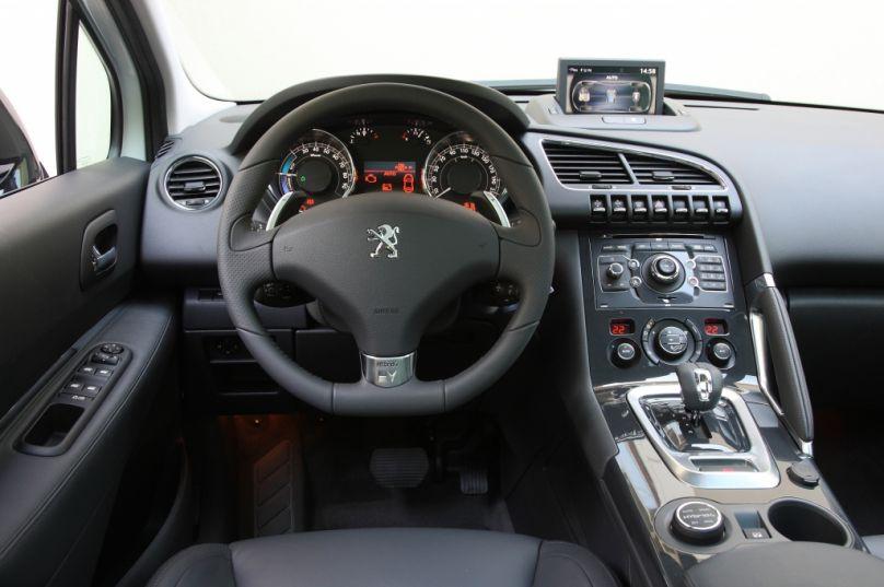 Test Peugeot 3008 HYbrid4: Mega-Crossover mit Supersparpotential