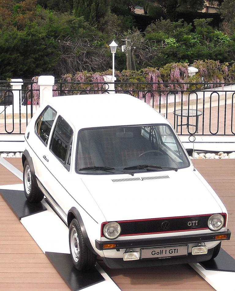 VW Golf GTI: ... und so die erste Generation vor 37 Jahren.