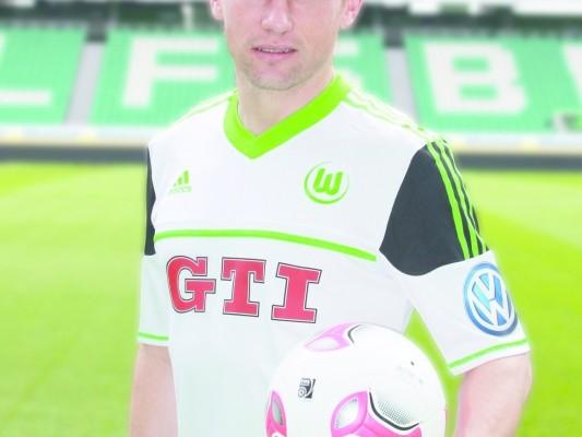 VfL Wolfsburg tritt mit GTI-Trikotwerbung an