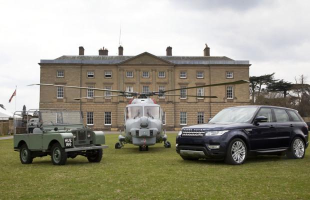 65 Jahre Land Rover: Hubschrauber bringt Geburtstagstorte