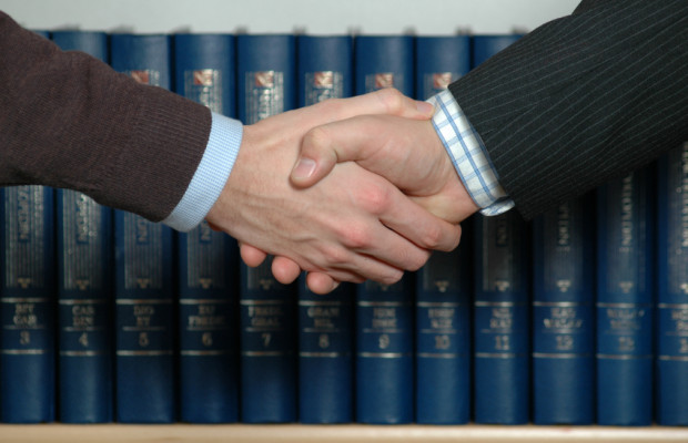 Arbeitsrecht: Fristlose Kündigung bei schludrig geführter Stempelkarte