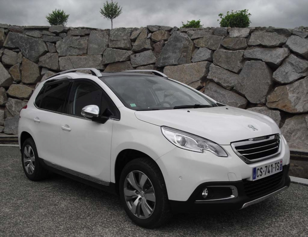 Auch Peugeot steigt mit 2008 ins Mini-SUV-Boomsegment ein / Start Mitte Juni