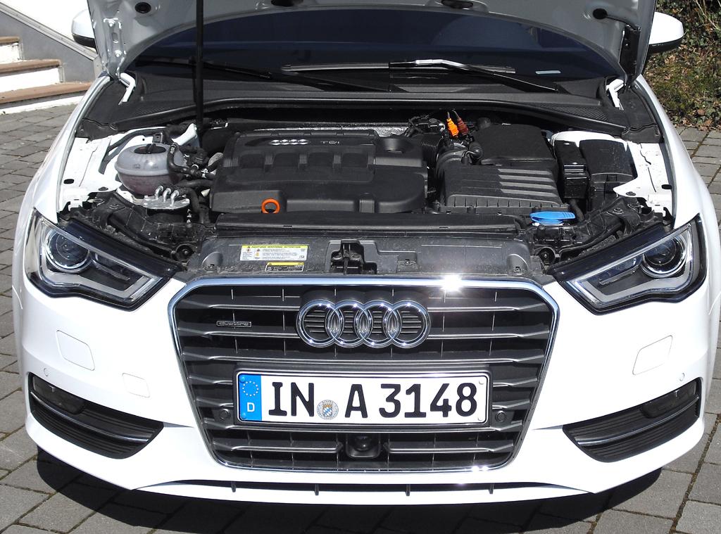 Audi A3: Blick unter die Haube auf den 2,0-Liter-Selbstzünder.