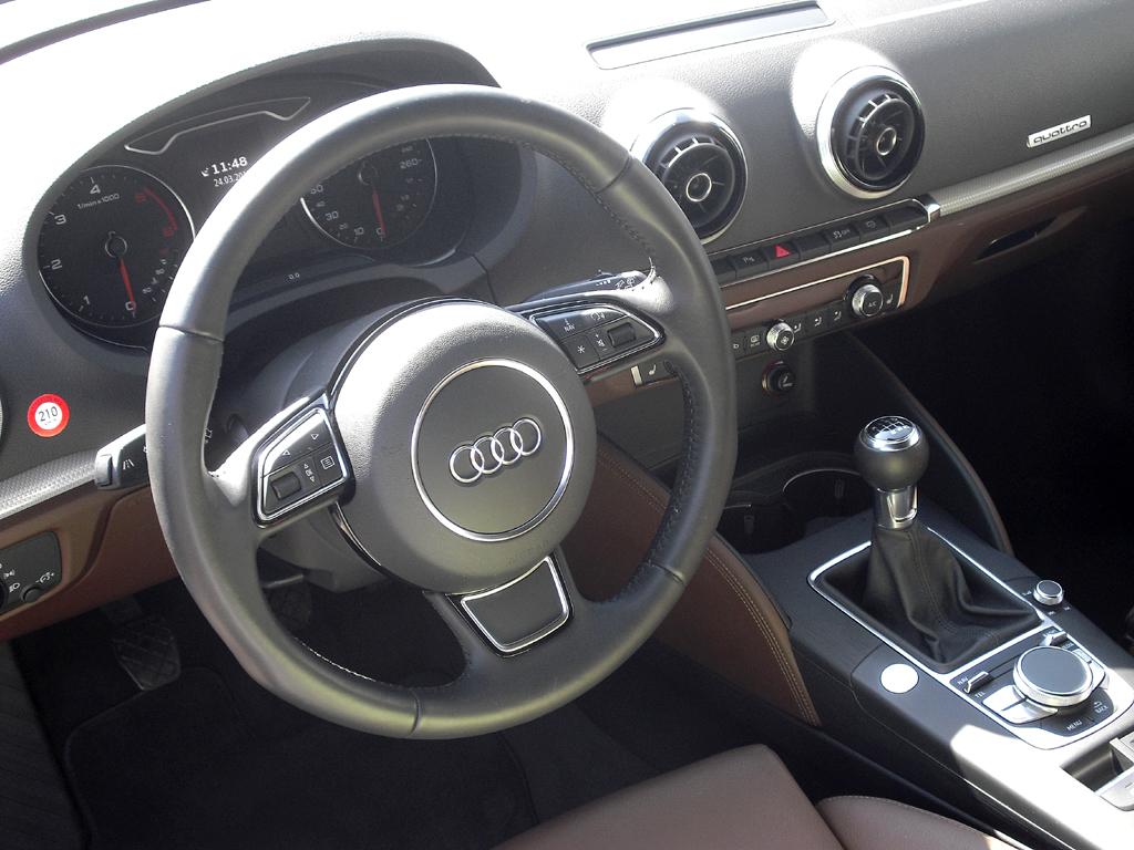 Audi A3: Das Cockpit wirkt übersichtlich gestaltet.