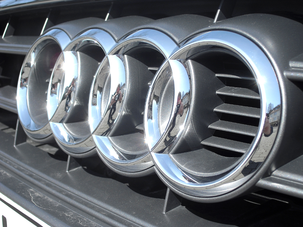 Audi A3: Die vier Markenringe sitzen vorn mittig im Kühlergrill.